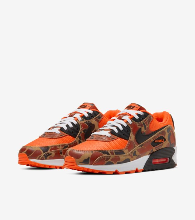 2020年3作目の「NIKE AIR MAX 90 ORANGE DUCK CAMO」カモ柄
